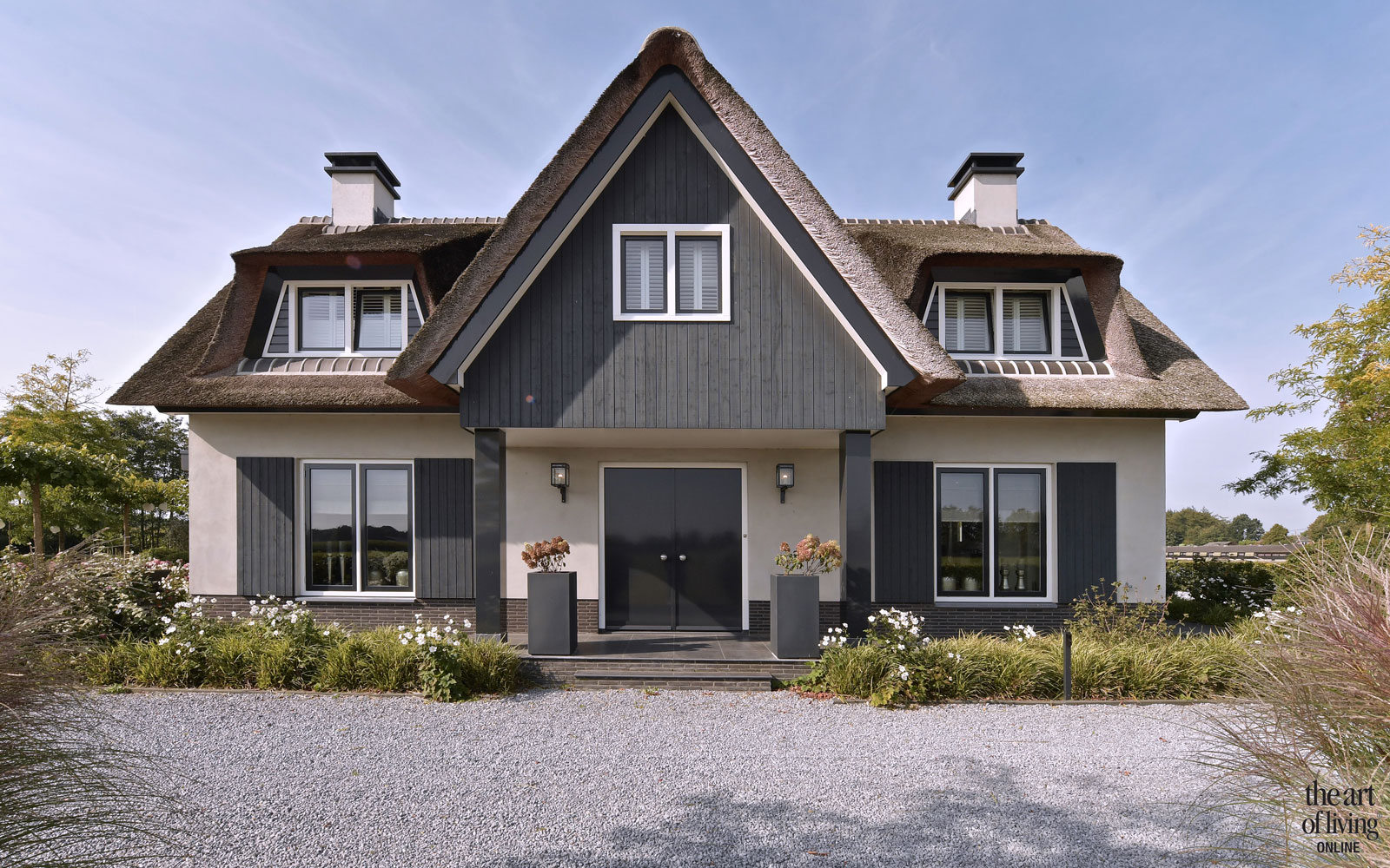 Villabouw in landelijke stijl, Drie landelijk gebouwen, U-vorm, Boxxis architecten, villa, landelijke villa, the art of living