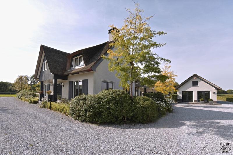 Drie landelijk gebouwen, U-vorm, Boxxis architecten, villa, landelijke villa, the art of living