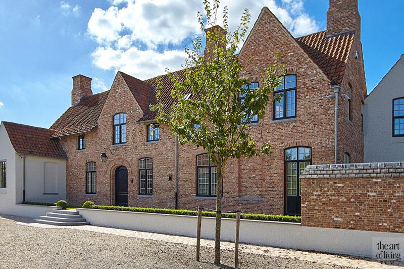 Gerenoveerde villa, villa, exterieur, Gerenoveerde hoeve in West-Vlaanderen, Bernard de Clerck, The Art of Living
