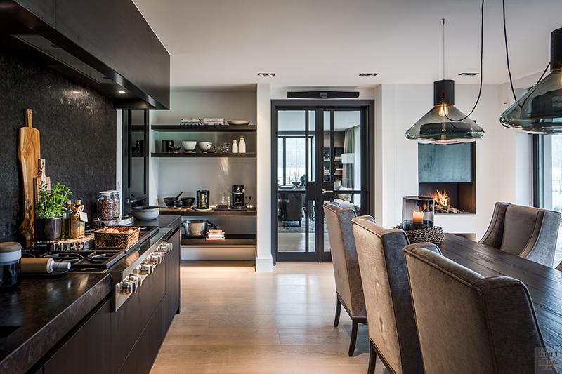 Keukens, Uniek, the art of living, RMR Interieurbouw, Bob Manders, hout, donker