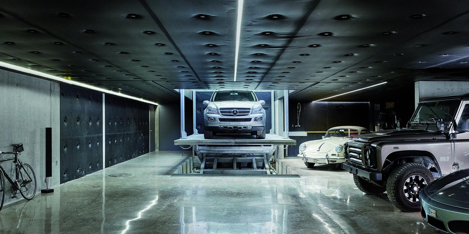 CARDOK Carlift, The secret car park, autolift, lift, auto's, mercedes, porche, volvo, automatisch