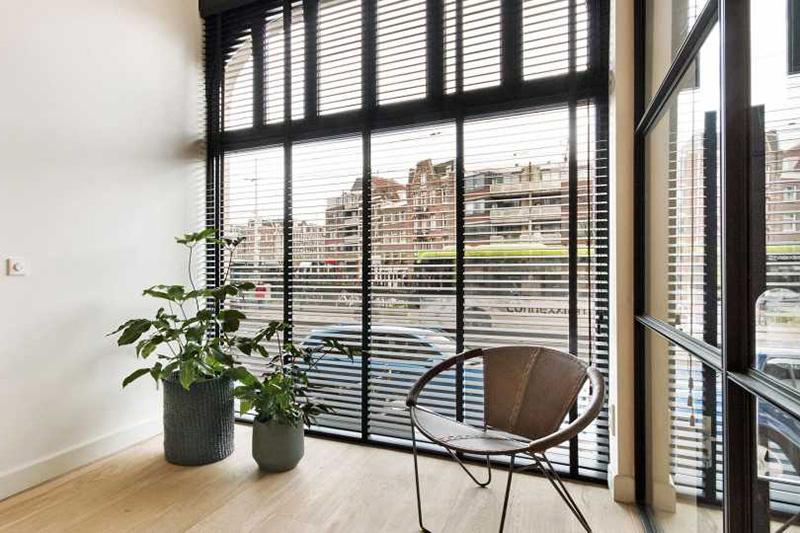 Pand in hartje Amsterdam | Linda de Mol | The Art of Living (NL)