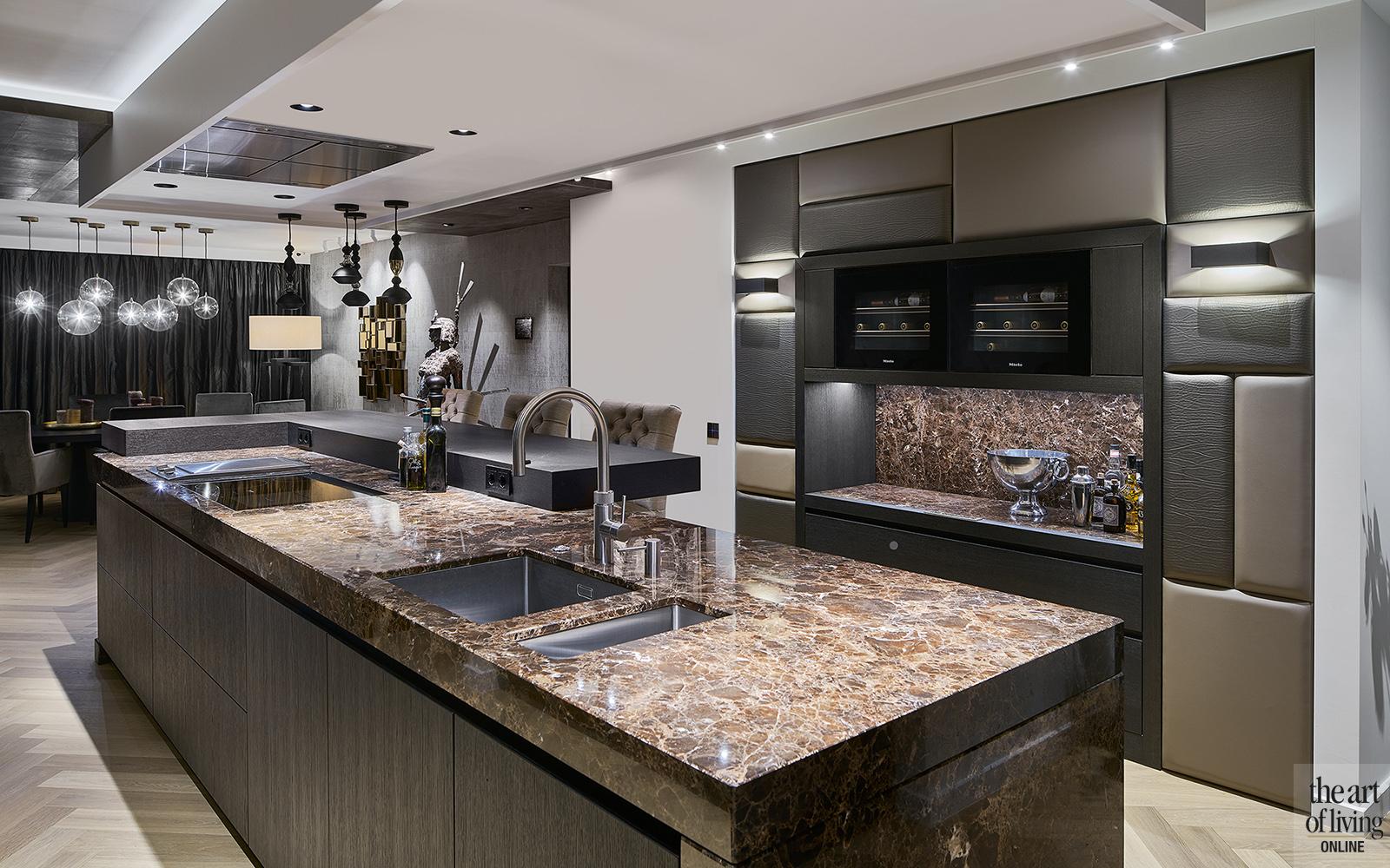 Keuken, Uniek, Huis van Strijdhoven, the art of living, natuursteen, donker