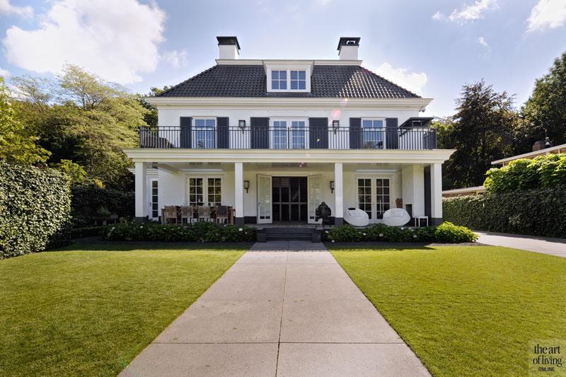 Witte droomvilla, symmetrische villa, the art of living, top 5 klassieke villa's, villa