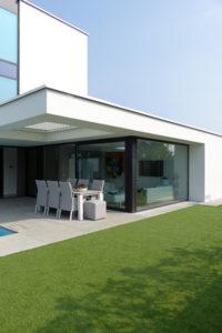 Bureau IN, Moderne Droomvilla, Tuin, Strak, Modern, Tuinmeubelen, Zwembad, Kunstgras