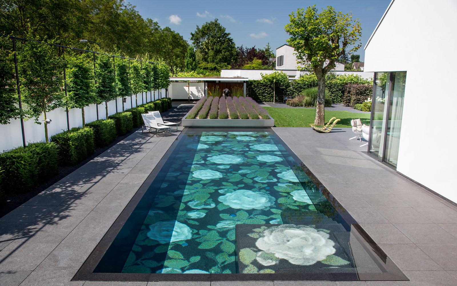 Thuis een buitenzwembad, ambiance, ambiance premium wellness, buitenzwembad