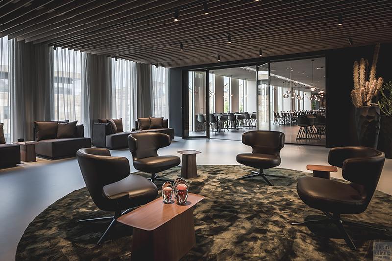 Kantoor inspiratie, Kabaz Architecten, Kantoor Amsterdam, Amsterdam, Kantoor inrichting, Design, Architectuur, Interieur, Equinix, Lounge, Kantine, Design meubels, the art of living