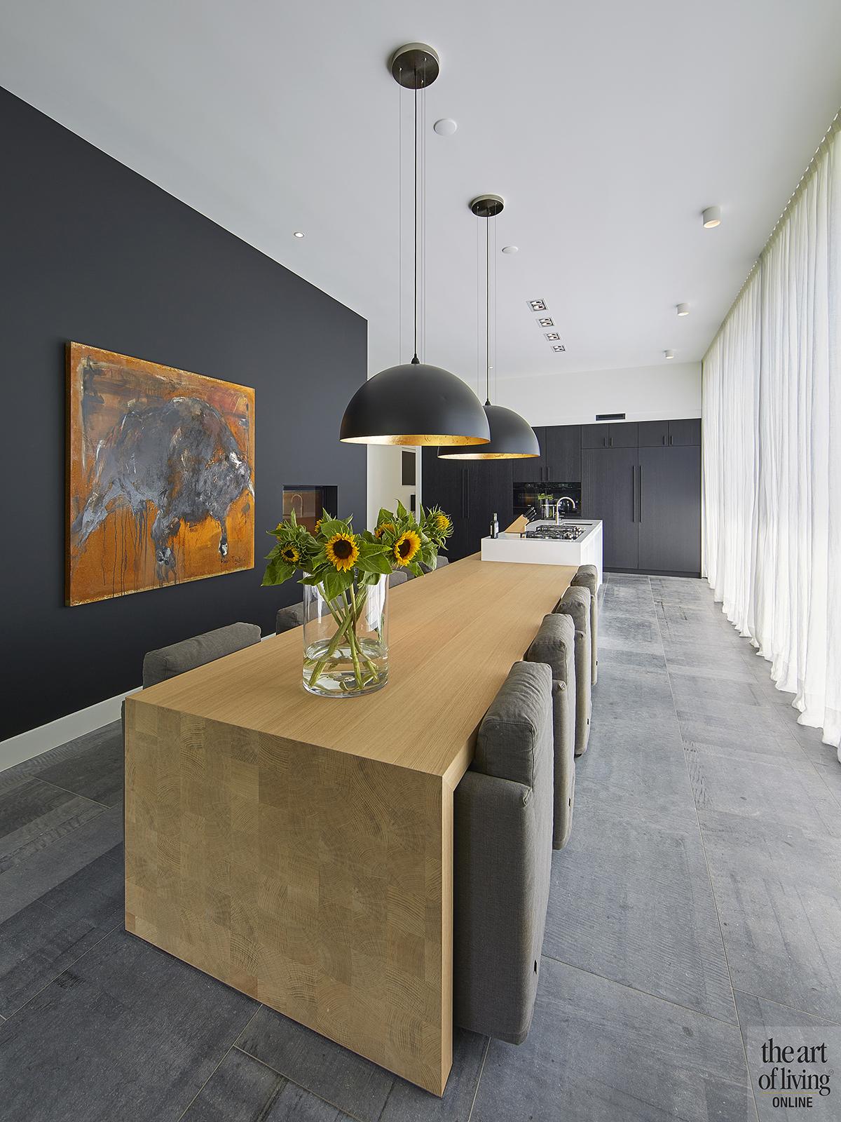 Nieuwbouw villa, Split level, Strak, Modern, Joost van der Sande, Keuken, Maatwerk, Contrast, Interieur, Eettafel