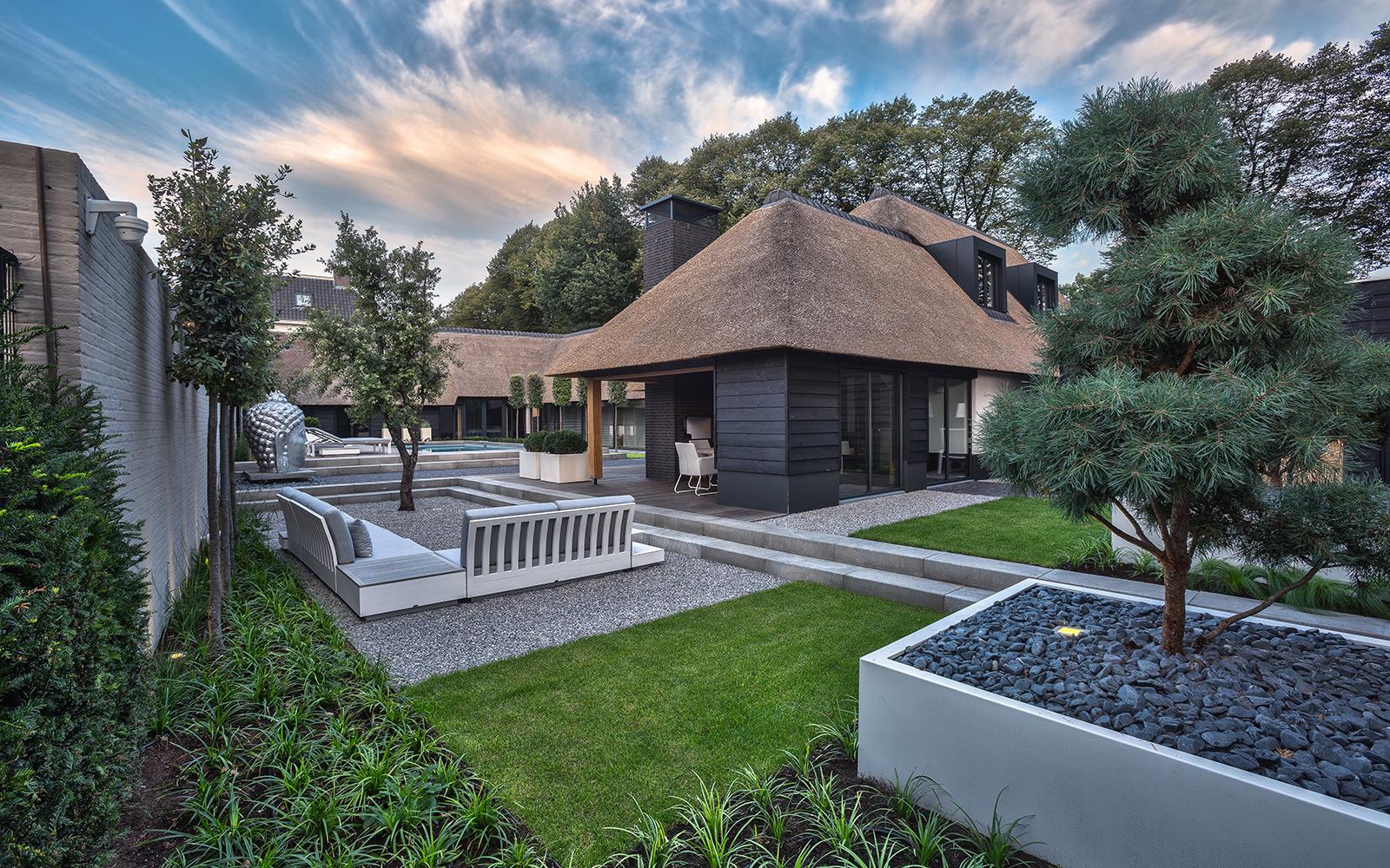 exclusieve villatuin, knops tuindesign, tuinontwerp, luxe tuin