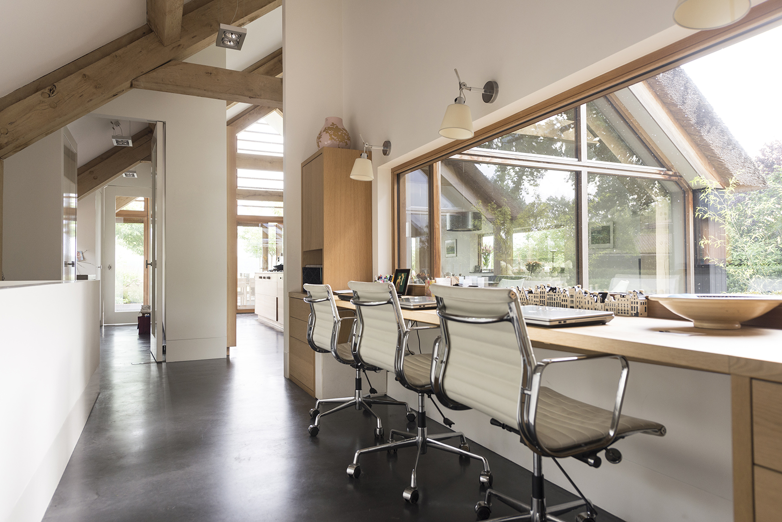 binnenkijken bij schuurwoning gerealiseerd door Morrenbouw, kantoorruimte