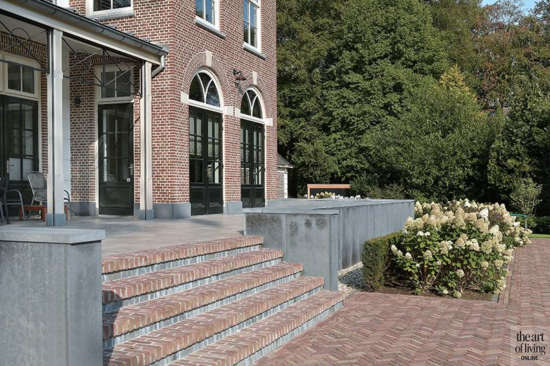 Landhuis, Schitterend landhuis, Friso Woudstra, Landgoed, Exterieur, Klassieke woning, Villa, Tuin, Tuinontwerp, Klassieke tuin, Minimalistische beplanting, Terras