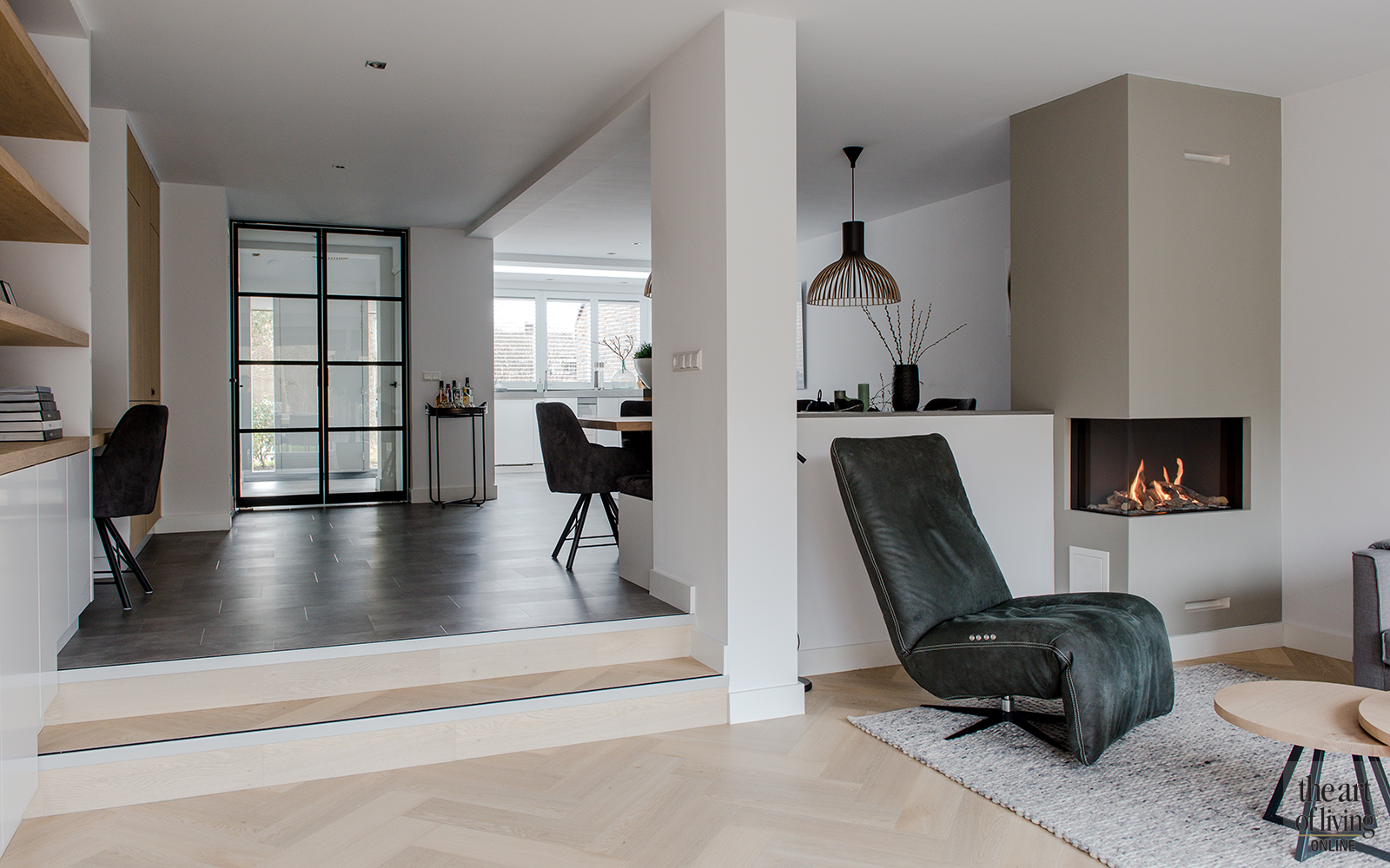 Intieme grijze woonkamer lifs interieuradvies styling for Grijze woonkamer
