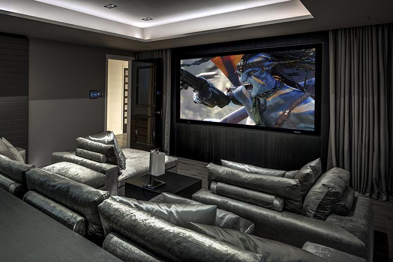 Metropolitan interieur, Kabaz, Woonkamer, Bank, Woon Accessoires, Lounge, Home cinema, Thuis bioscoop, tv-kamer