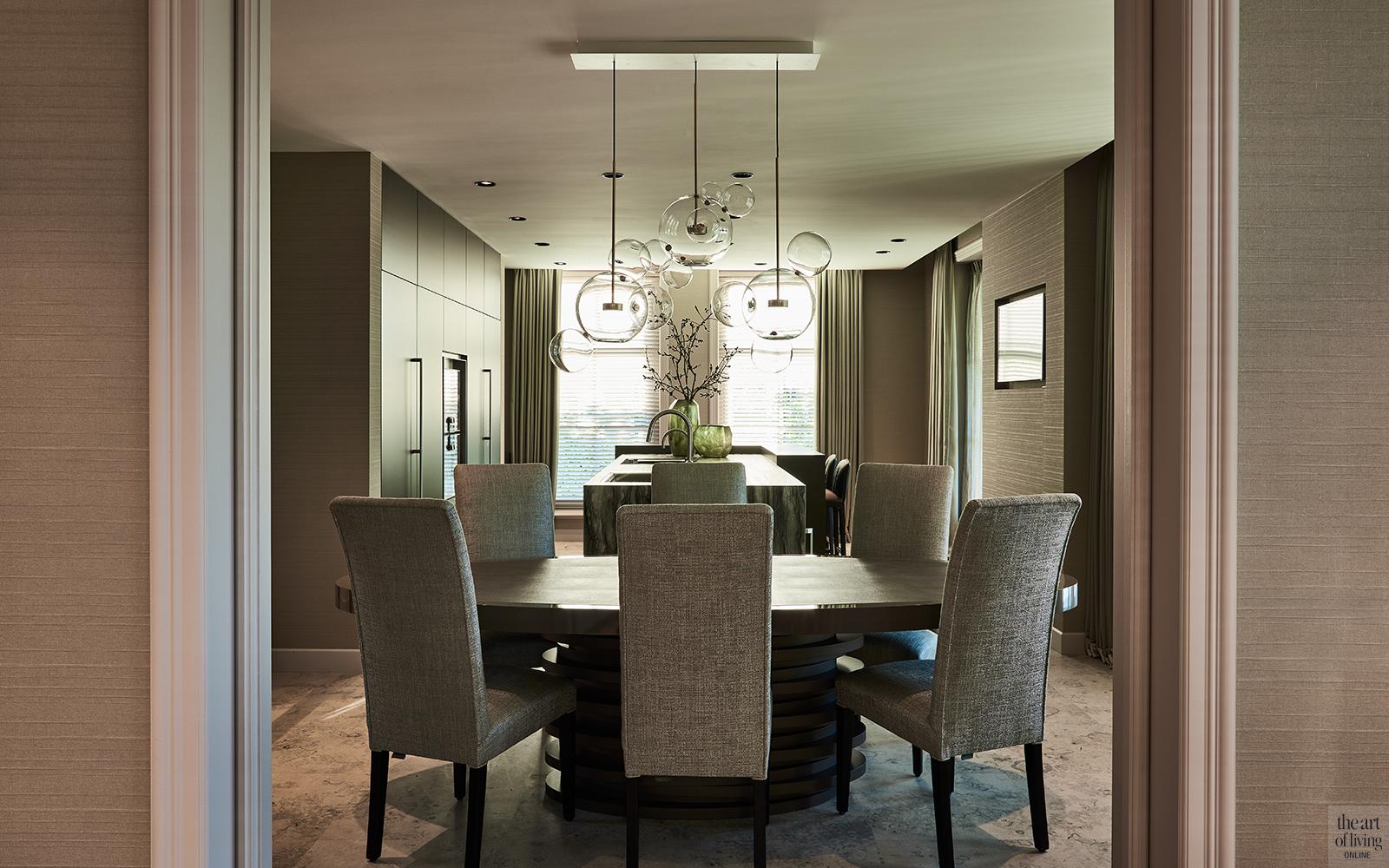 Exclusief interieur, Eric Kuster, Culimaat, Metropolitan Luxury, Eetkamer, Eettafel, Design meubels, Lichtarmatuur, Design