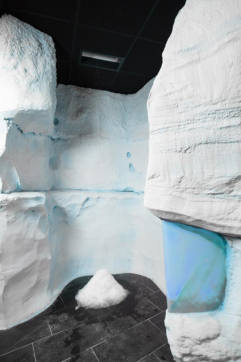 Nieuwste trend van afkoelen, Alpha Industries, wellness, ijsfontein, sneeuw,