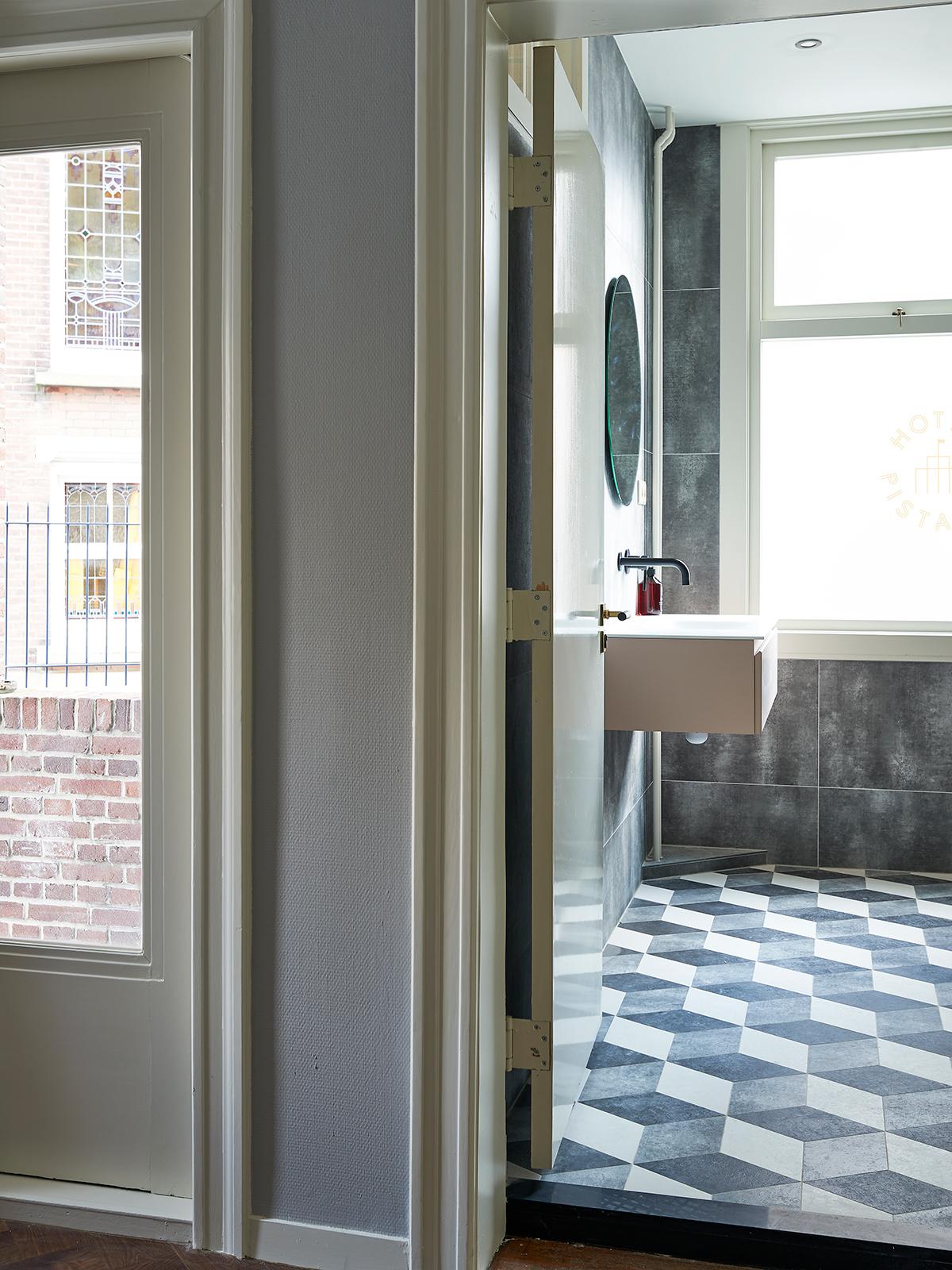 Badkamertegels met design | Kol Tegels, Pistache Hotel, Den Haag