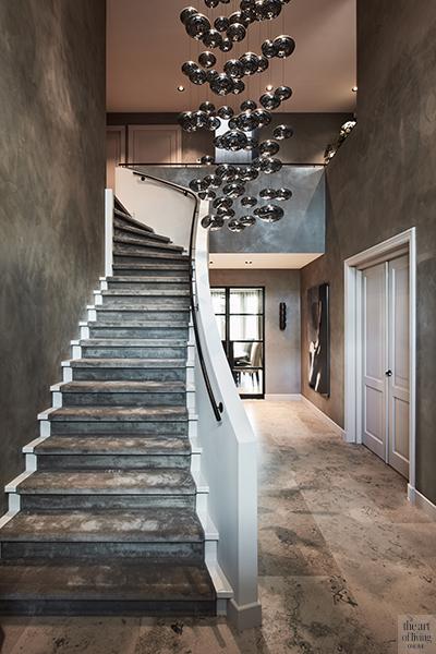 Exclusief interieur, Eric Kuster, Culimaat, Metropolitan Luxury, entree, inkom, lichtarmatuur, maretti