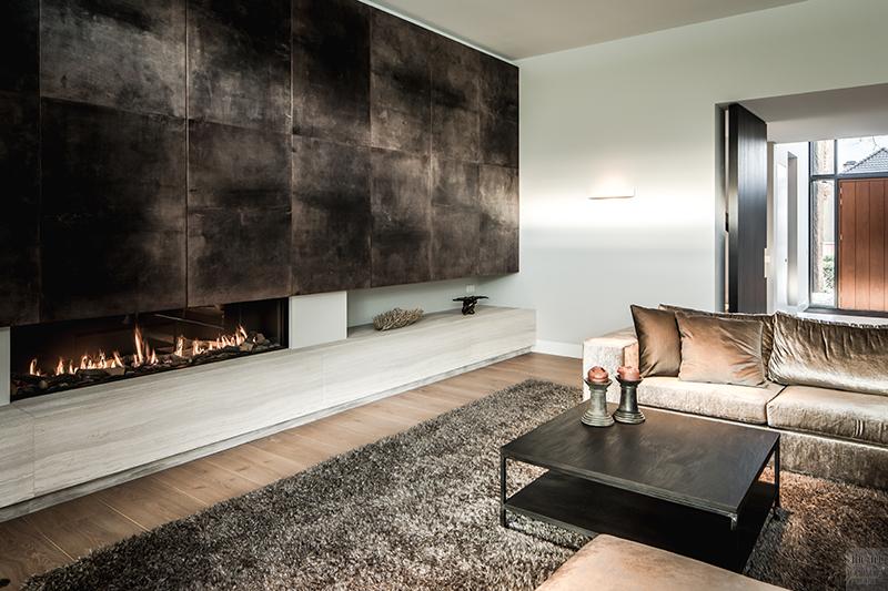 Natuurlijke materialen, Drijvers, Livingroom, Alphenberg, Velours bank, Lounge, Design interieur, Interieur, Leren wandbekleding