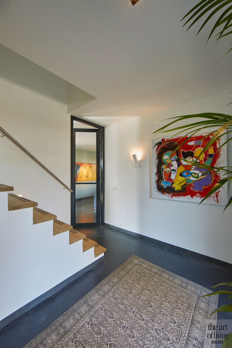Moderne woning, CS2 Architecten, Woonkamer, Modern interieur, Gietvloer, warm interieur, Kantoor, home office, hal, stalen deur, Houten trap