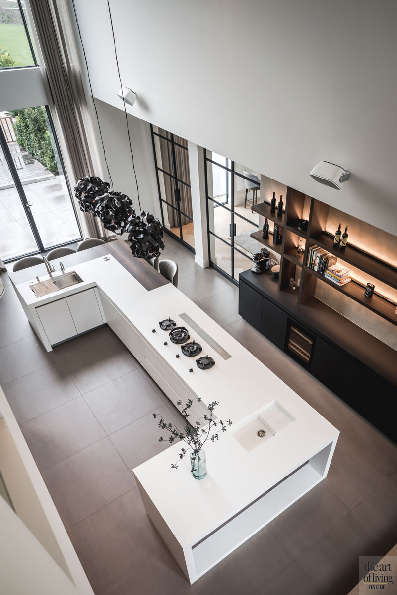 Witte keuken, Culimaat, Villa, Modern, Wit, Strak, Houtelementen