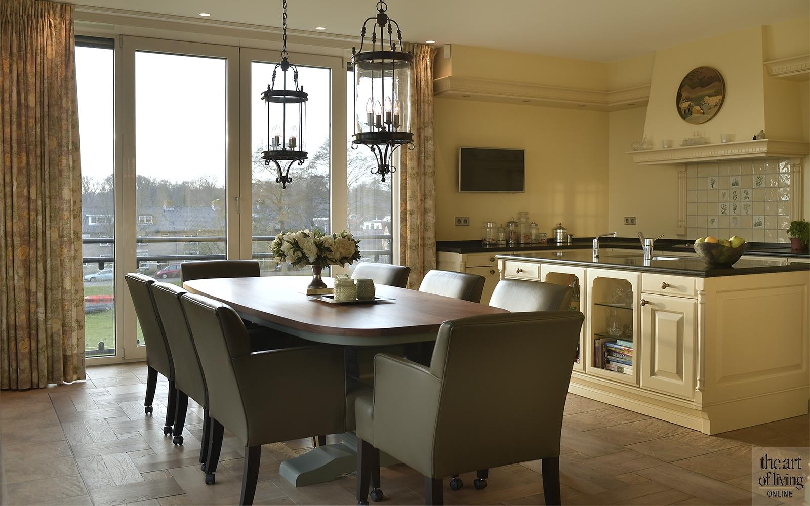Klassiek interieur, DE JUUL Interieurarchitectuur, Penthouse, klassieke stijl, kroonluchter, Afrikaanse stijl, Interieurdesign
