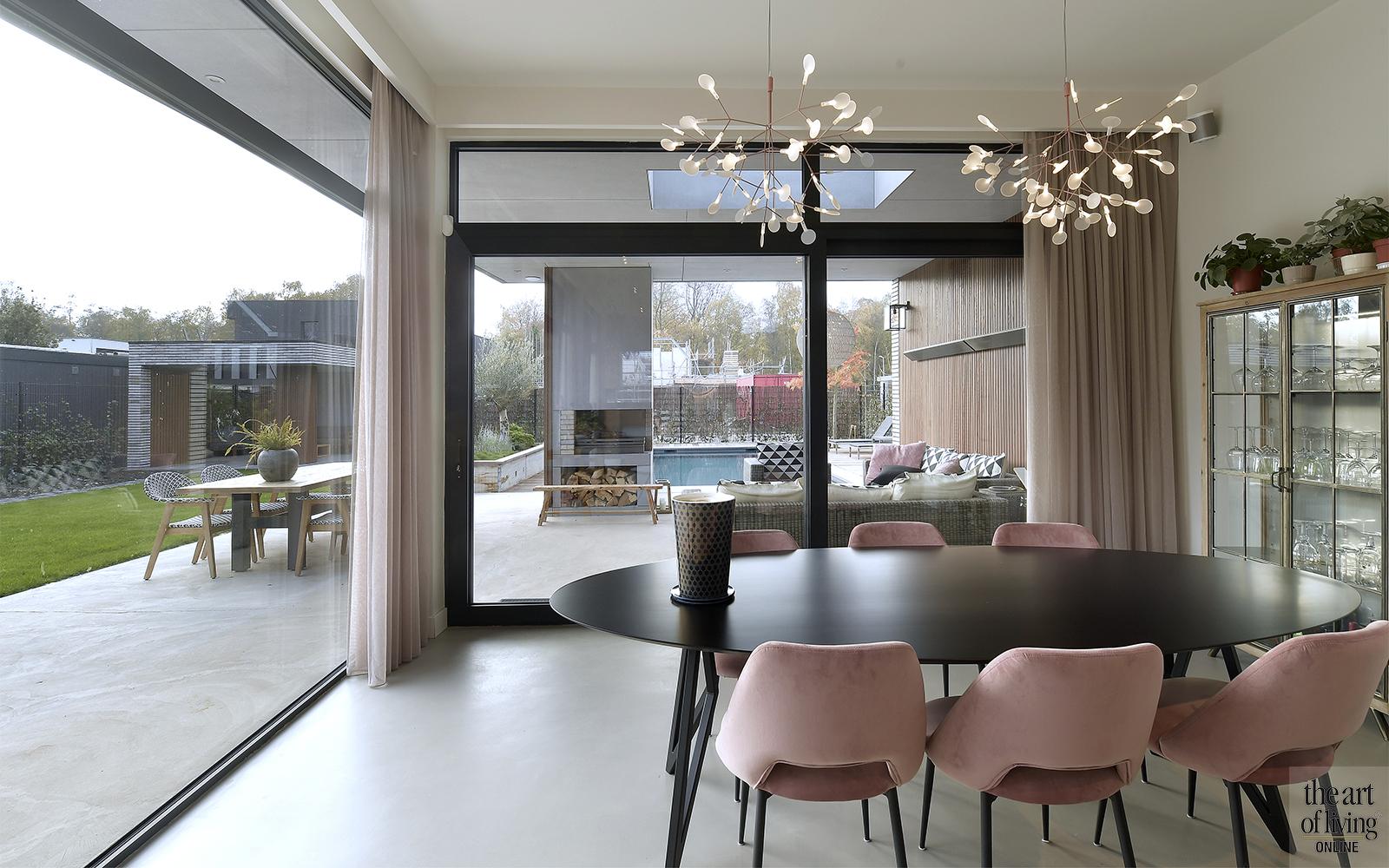 Nieuwbouw villa, Van Leent bouw, modern, zwembad, hout, strakke lijnen