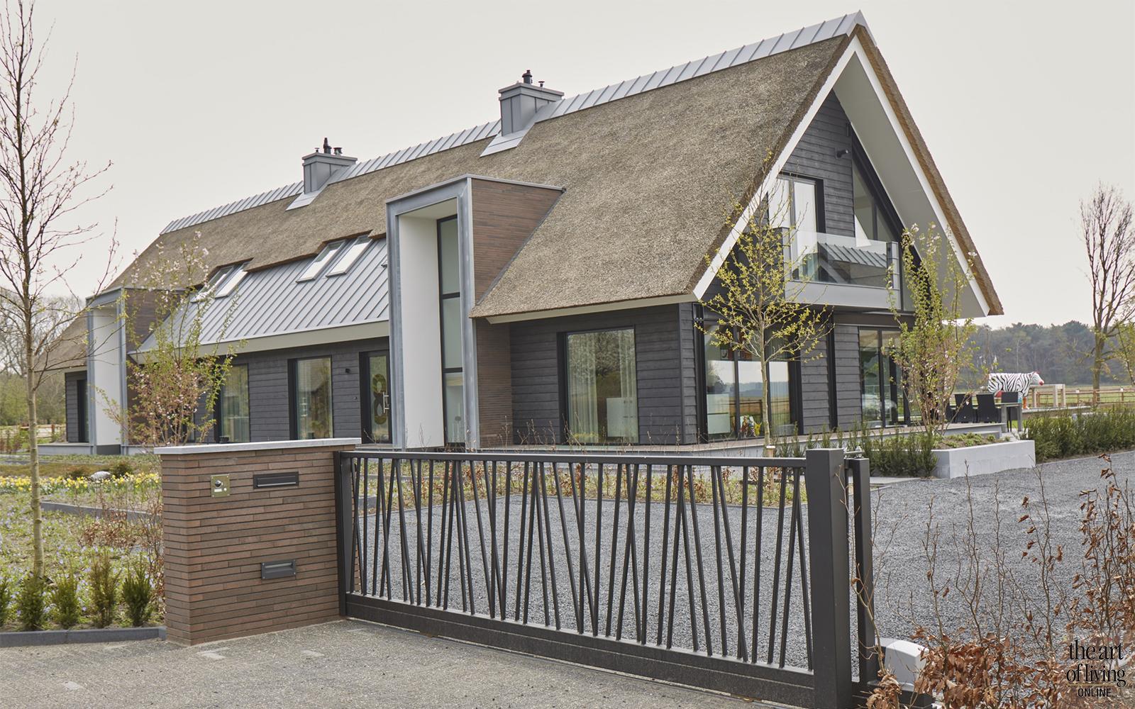 Piet Van Mierlo, Villa, Kunst, Hout, beton, Wellness@Home, Stalen deuren
