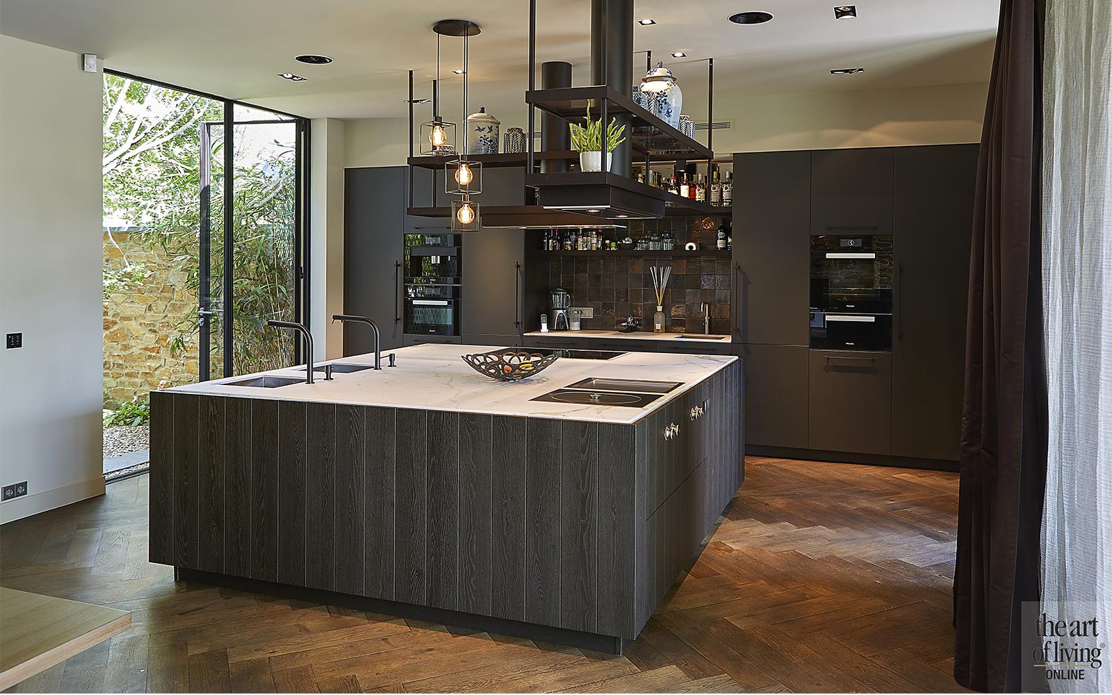 Moderne architectuur, Architectenbureau Kabaz, Luxe inrichting, Luxe interieur, Modern interieur, Maatwerk interieur, Keuken, Moderne keuken, Strak interieur, Donkere keuken