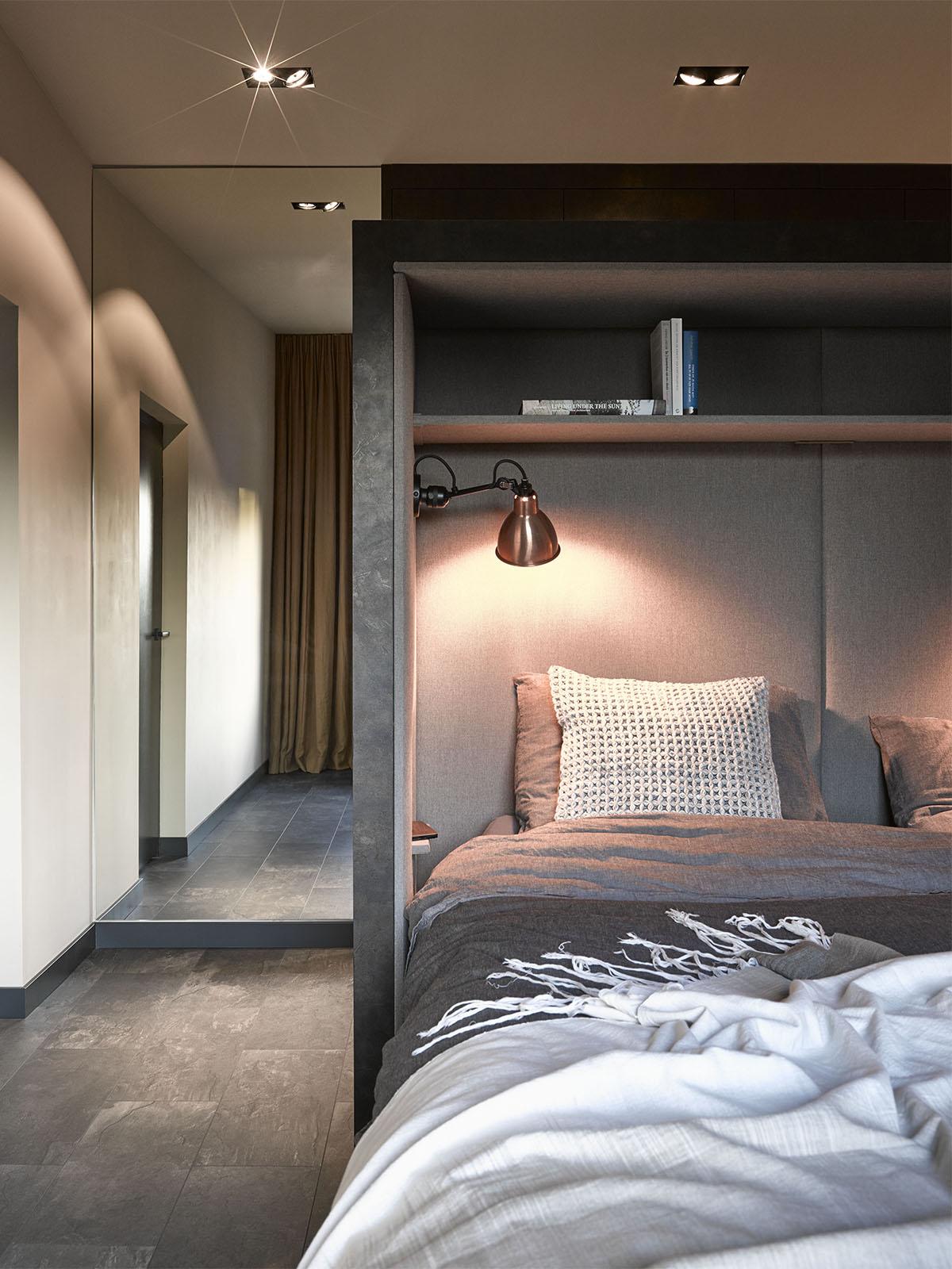 ZW6 Studio, Jeroen van Zwetselaar, Marmer, keuken, modern, lichtval, openhaard
