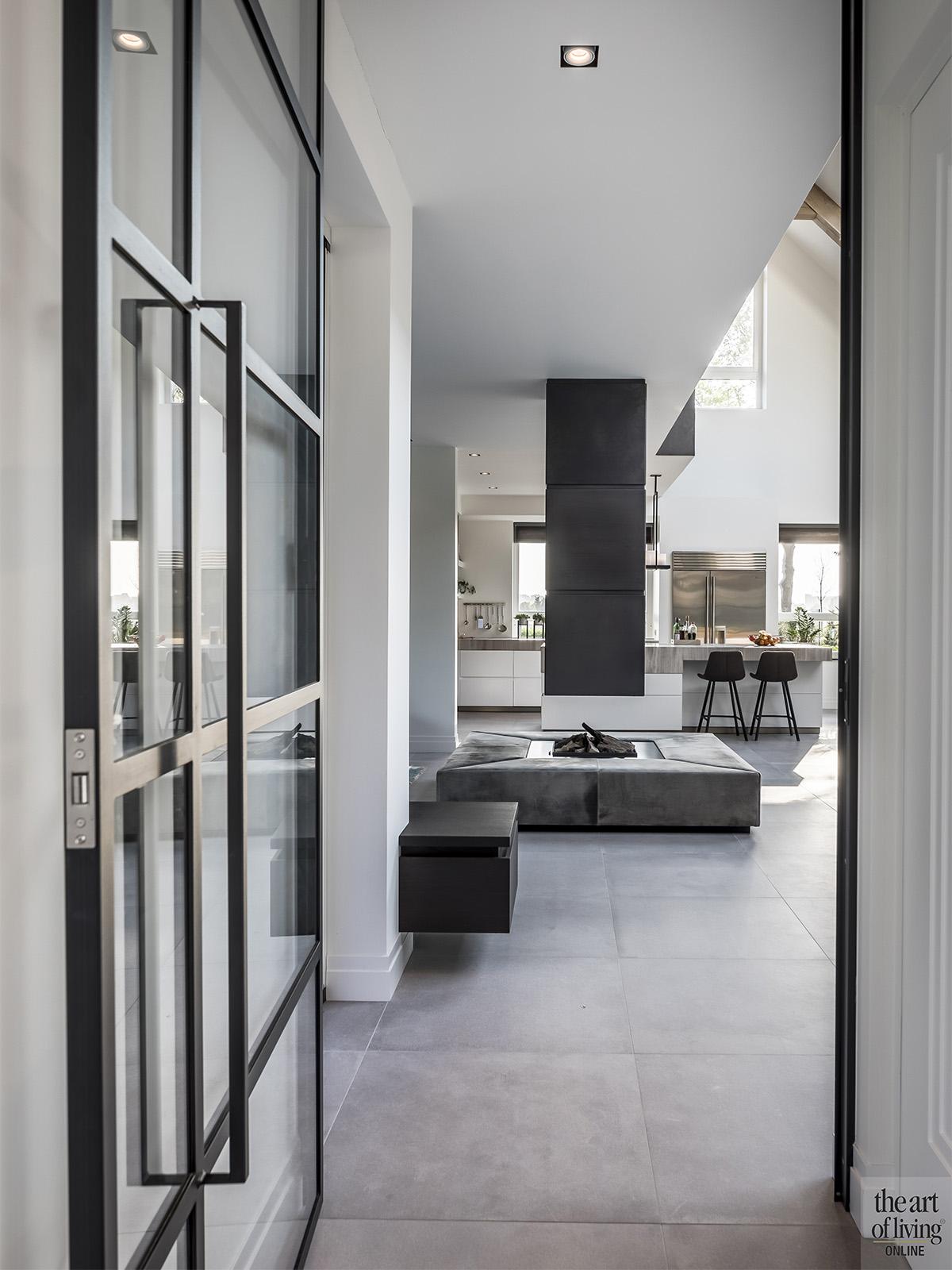 Luxe deuren, Houten deuren, stalen deuren, Schuifdeur, Design deuren, Glazen deuren, Deur met leer, Binnendeuren, Taatsdeur