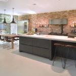Industriële keuken, Raampartijen, Betonvloer, Villa, Stenenmuur, Interieur, Interieur inspiratie
