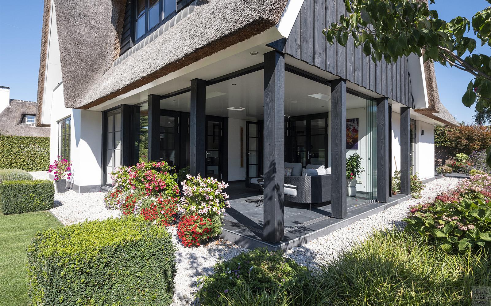 Luxe overkapping, Veranda, Terras, Buitenruimte, Terras indeling, Buiten meubelen, Outdoor furniture