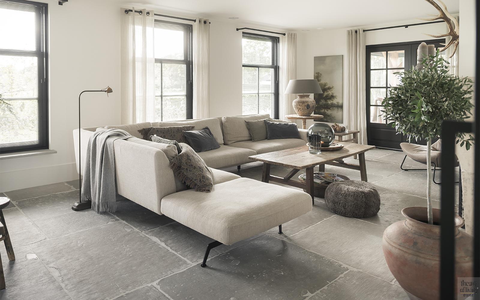 Vloeren inspiratie, tegelvloer, tegels, visgraatvloer, leren vloer, alphenberg, gietvloer, betonlook vloer, Natuurstenen vloer, Natuursteen, Raw Stones, DRT Gietvloeren