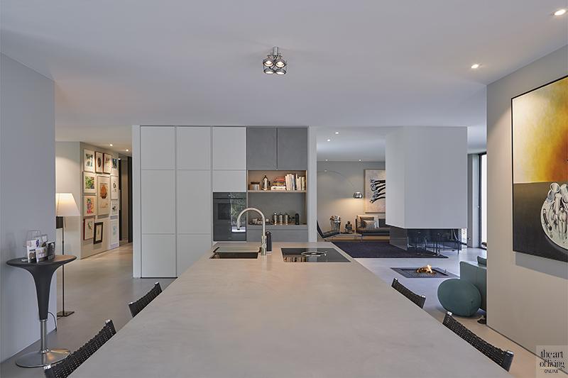 Brabantse villa met modern industrieel interieur, Spanjers Architect, witte woning
