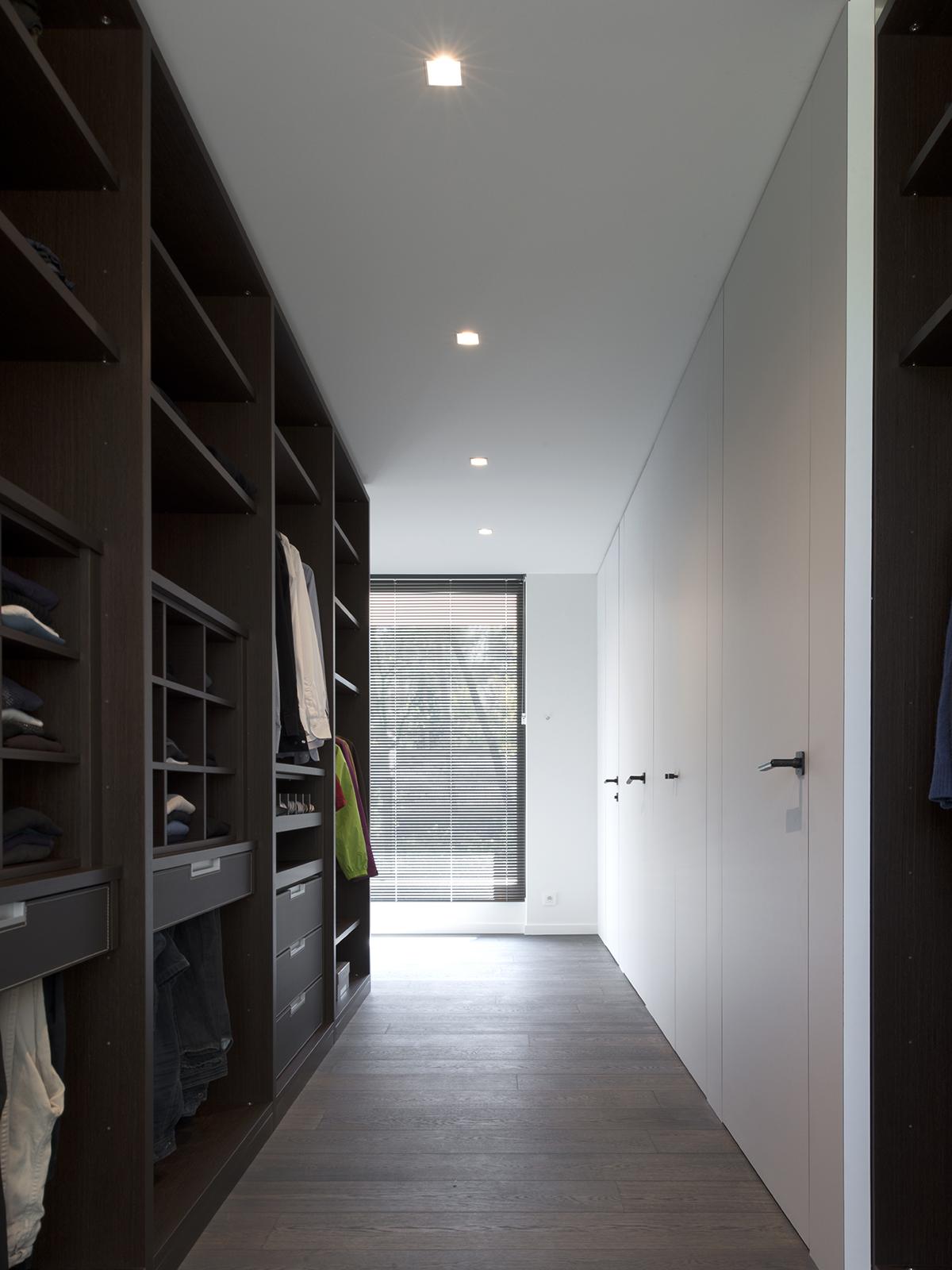 Modern deurbeslag, Deurbeslag, Dauby
