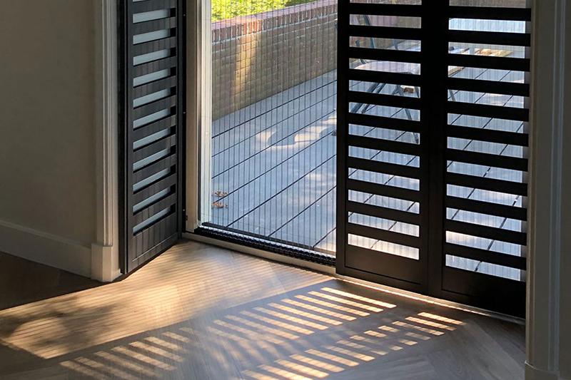 Zwarte shutters, Unilux, Fractions