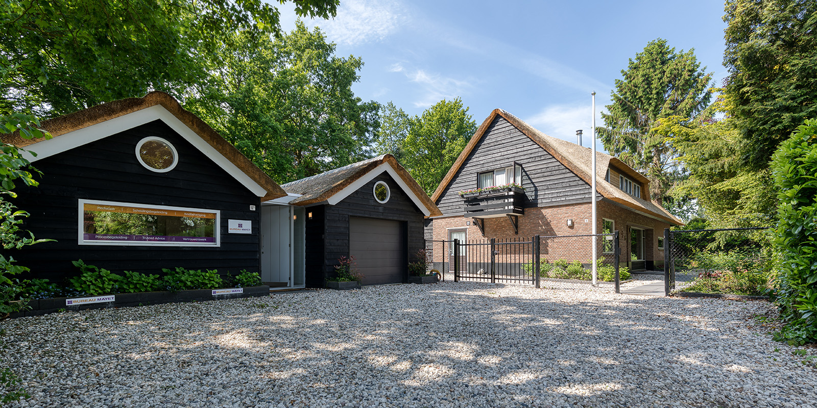 villa met rieten dak, vvr architecten, the art of living