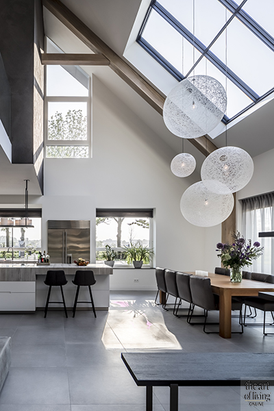 Ronde vormen, interieurtrend, ronde spiegels, ronde meubels, ronde lampen