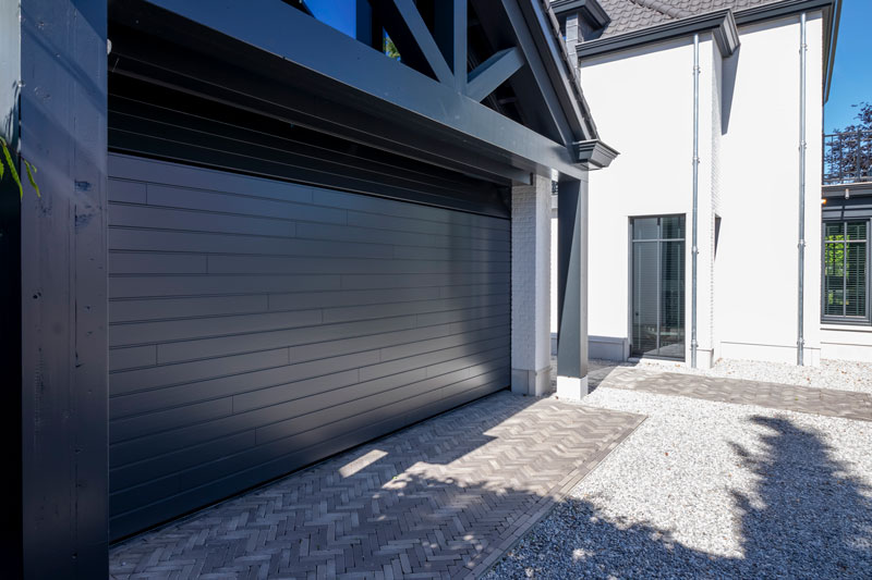 Different Doors, houten garagedeur