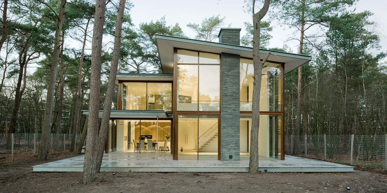 Licht inval, Van Dinther Bouwbedrijf,Moderne villa, Raampartijen, Glas gevelbekleding, Bosrijke omgeving