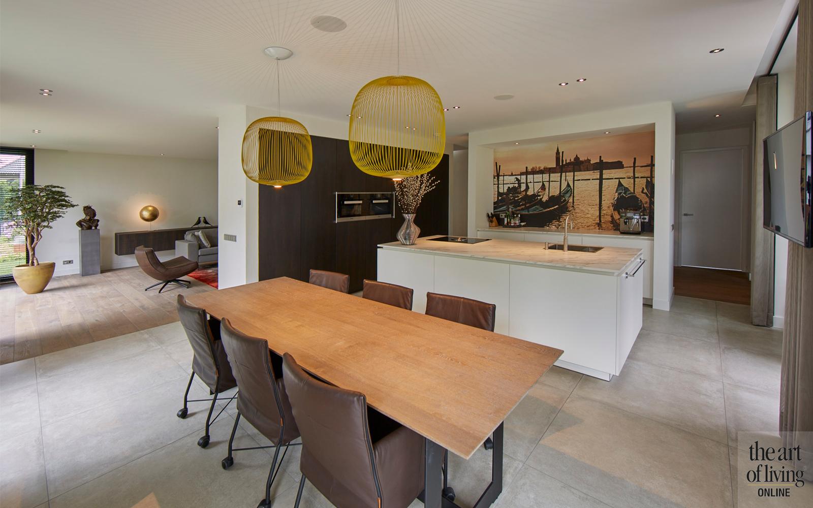 Design haard, Boley, Eettafel, Eetkamer, Houten tafel, Lampen boven eettafel, Verlichting, Open keuken, Keuken design