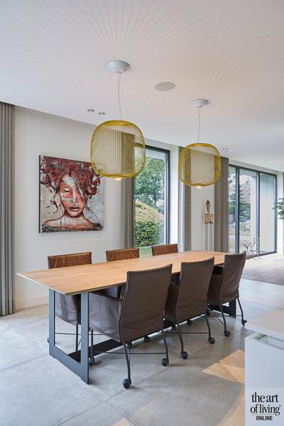 Design haard, Boley, Eettafel, Eetkamer, Houten tafel, Lampen boven eettafel, Verlichting