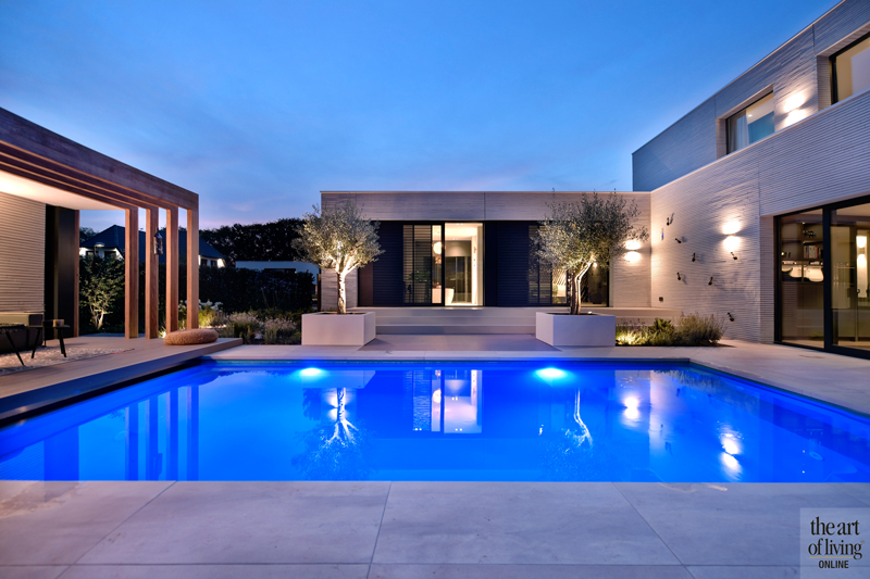 Ibiza stijl, Frans van Roy, Ibiza interieur, Villa met zwembad, Witte villa, Minimalistisch interieur, Interieur design, exterieur, architectuur, zwembad