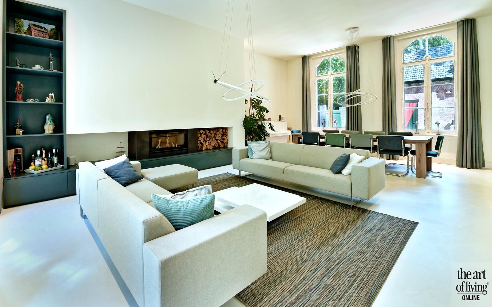 Kasteelwoning, Frans van roy, authentieke woning, Karakteristiek pand, Renovatie, Wit interieur, Houten details, Modern interieur, strak interieur