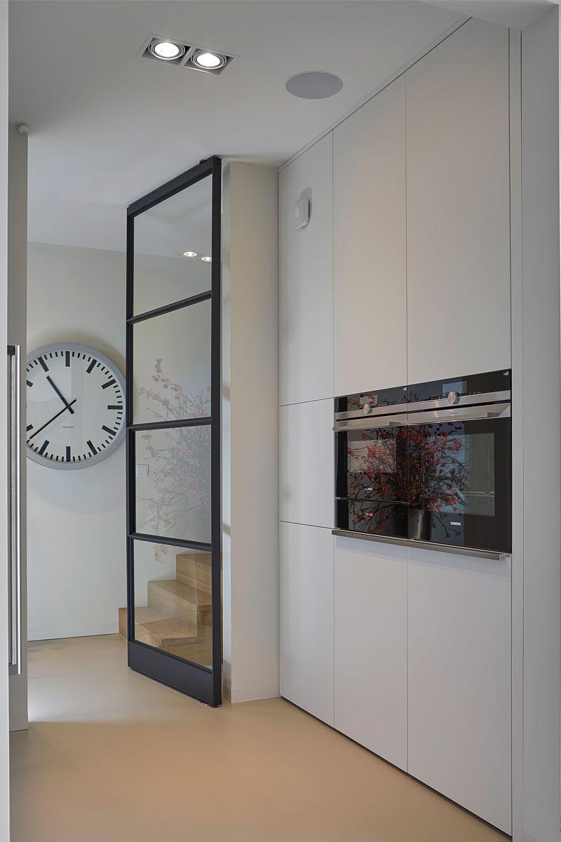 keuken op maat, bulthaup, diane interieurontwerp, keukeneiland, keukenblad, natuursteen, maatwerk