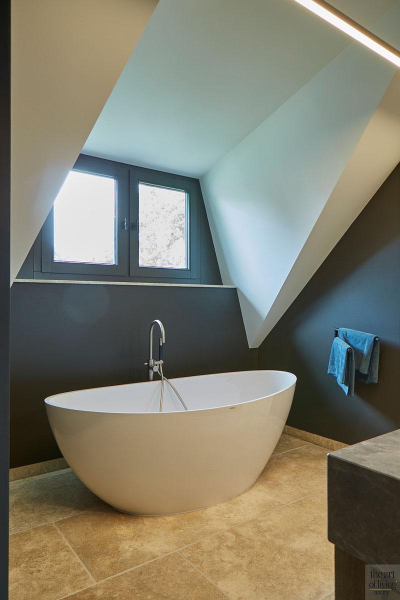 Boerderij, Marco Daverveld, Interieur, Sfeervol interieur, Vrijstaand bad, badkamer, Badkamer design