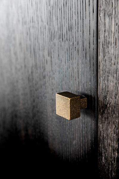 gouden handgrepen, dauby, exclusieve afwerking, donkere tinten, deurbeslag
