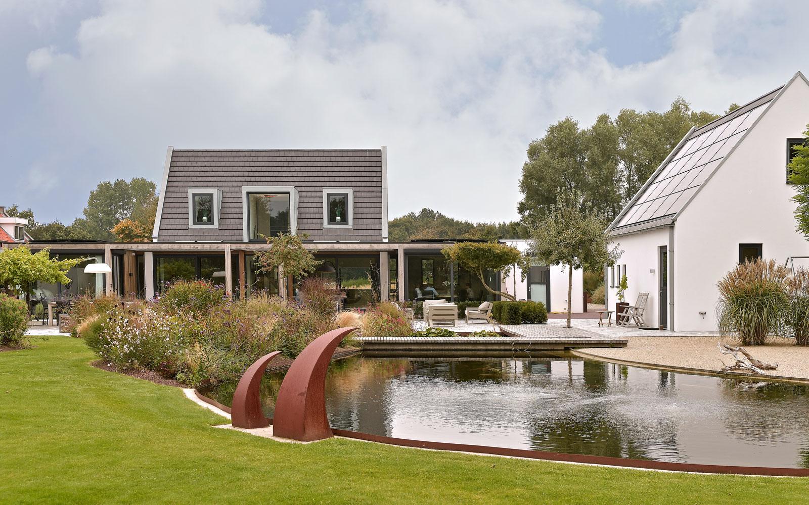 terras, trivium, zonneterras, overdekt, lamellen, tegels, vloer, beton, vijver, exclusief