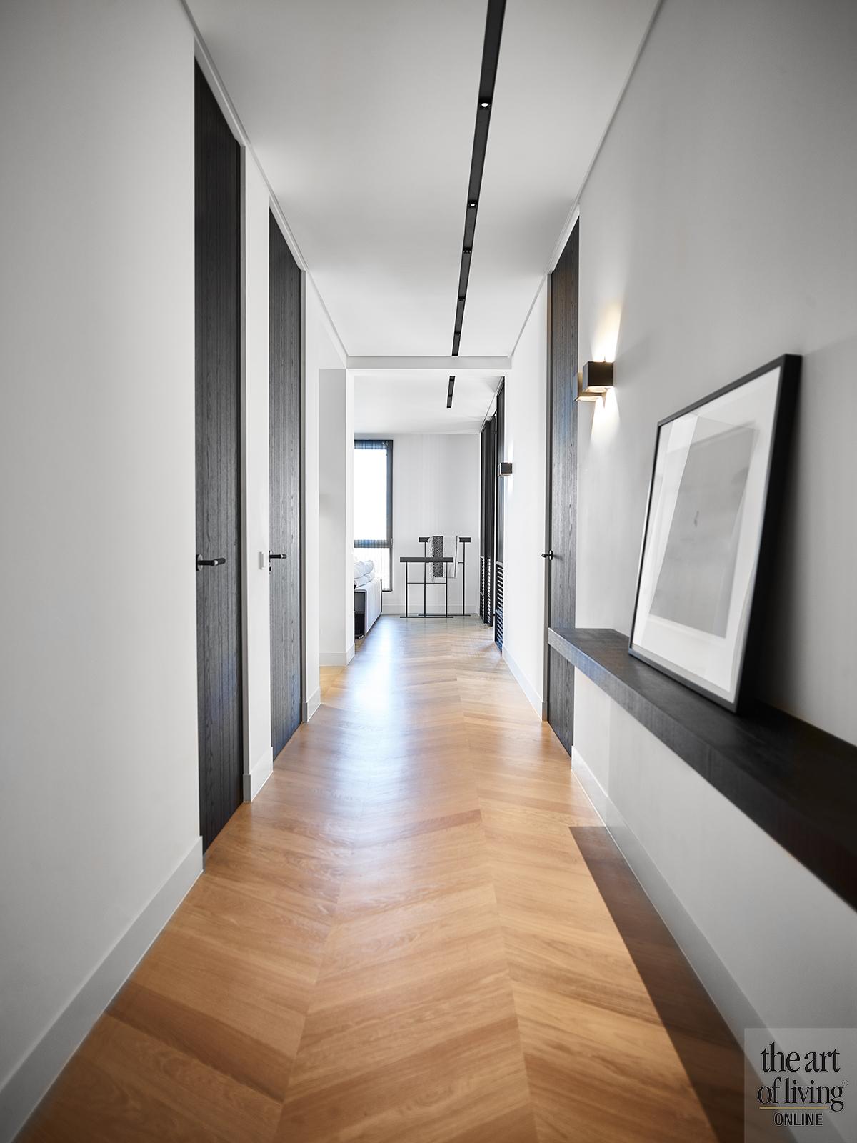 marmeren badkamer, Grand & Johnson, luxe, marmer, donkere keuken, exclusief, high end materialen