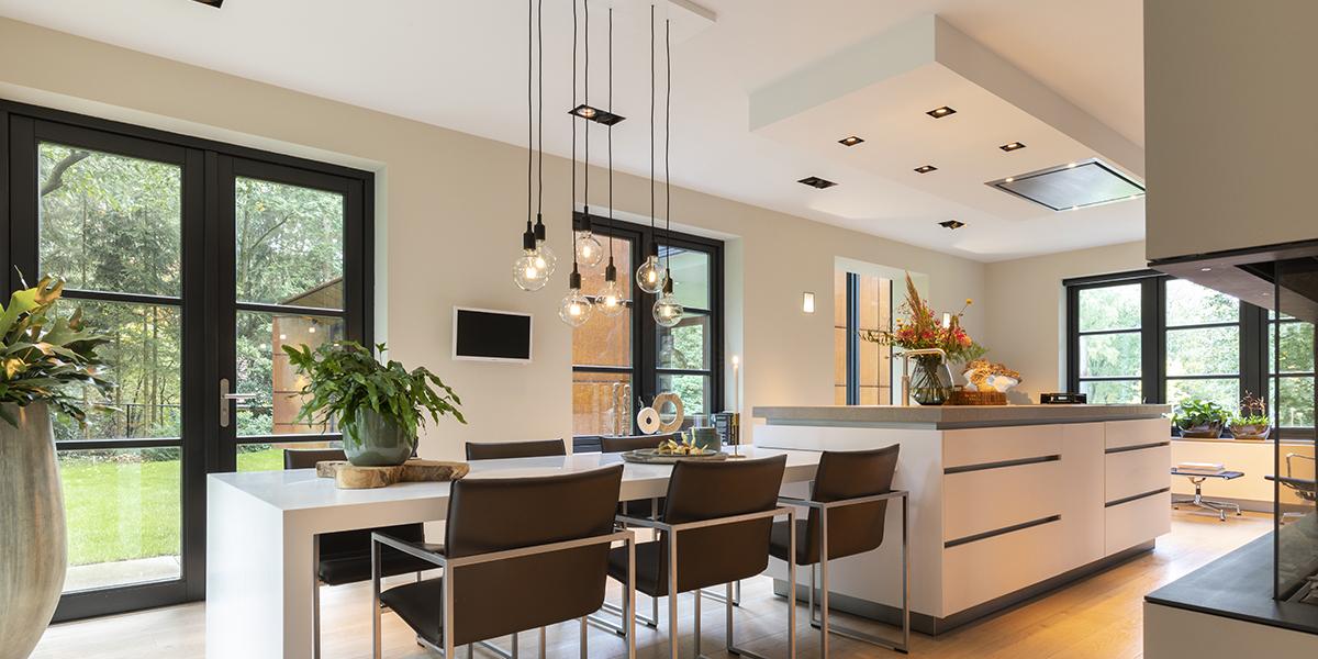 Modern interieur, C'Avante Interior & Design, luxe interieur, strak, doorkijkhaard, bijzondere keuken